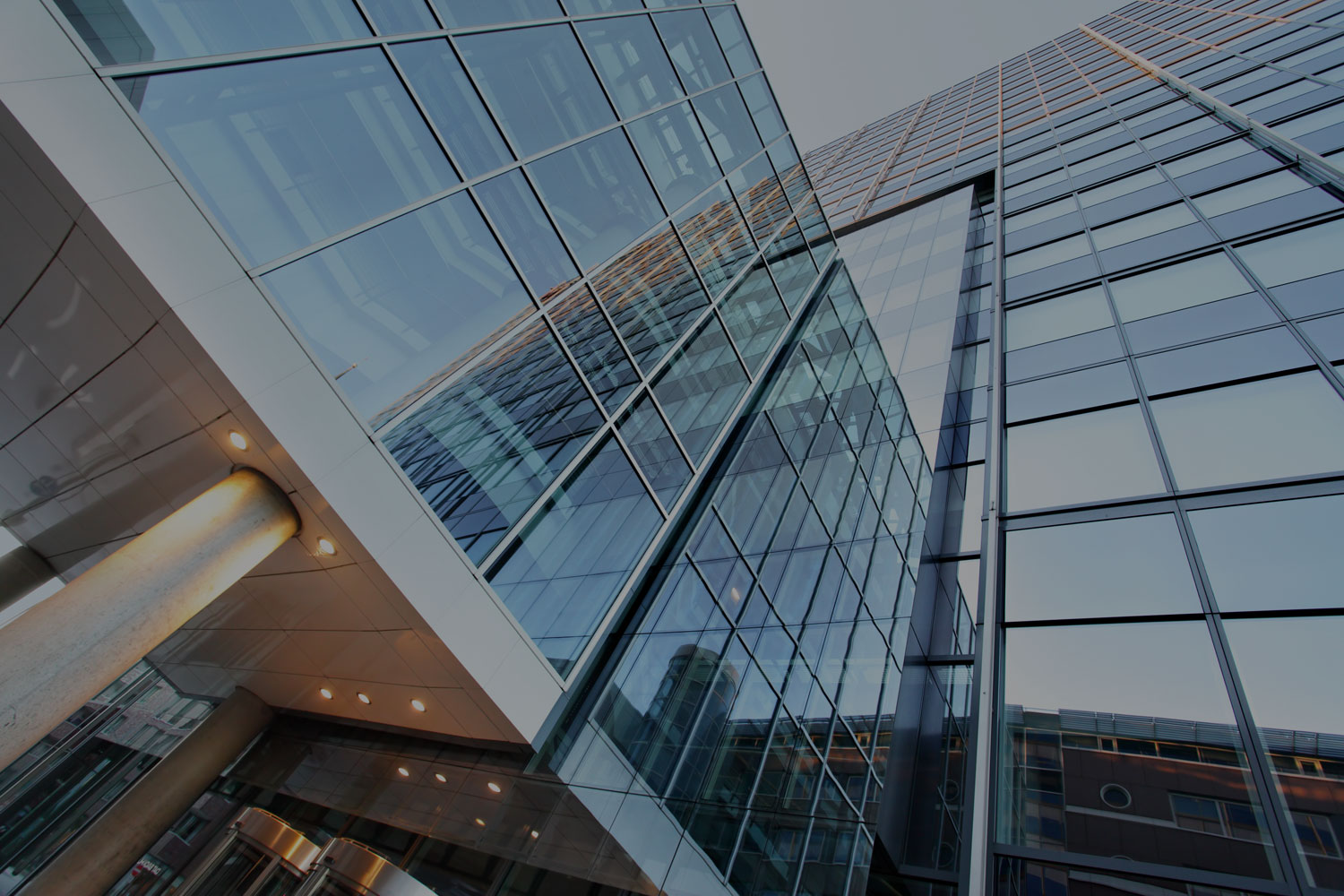 KOR GLASS & ALUMINIUM FABRICATE, SUPPLY AND INSTALL</br>HIGH END, COMMERCIAL GRADE, GLASS, ALUMINIUM AND STEEL PRODUCTS</br>TO RESIDENTIAL AND COMMERCIAL PROJECTS